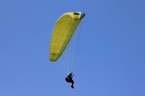 paragliding-200827_1920